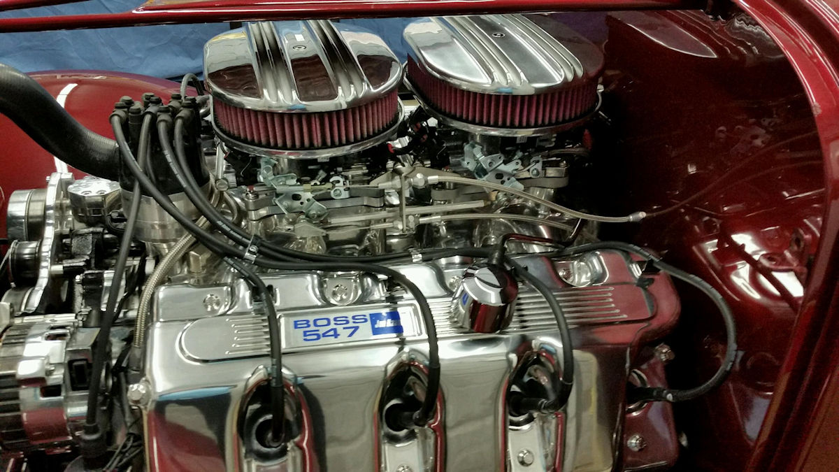 Dual Terminators on 547 Cubic Inch Krasse Ford Engine